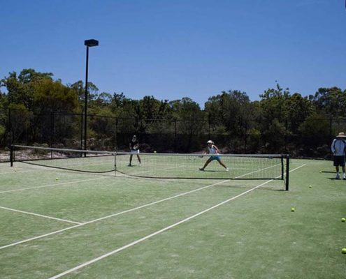adults lessons noosa tennis